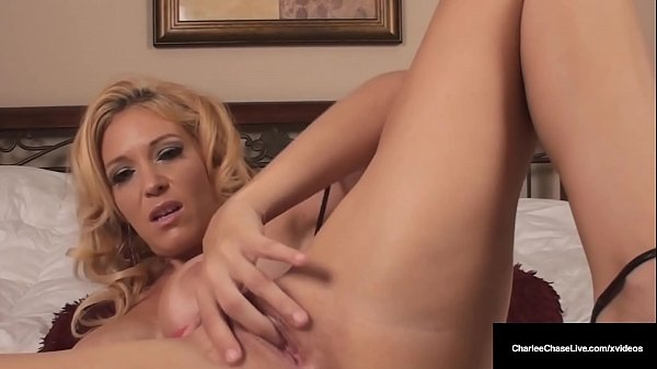 Cunt Pleasing Cougar Charlee Chase Massages Her Milf Muff!