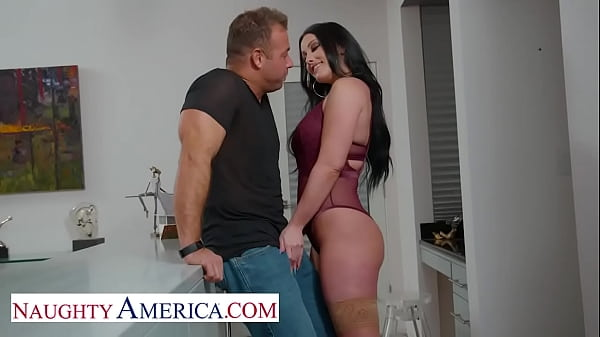 Naughty America - Jennifer White gets neighbor's big cock
