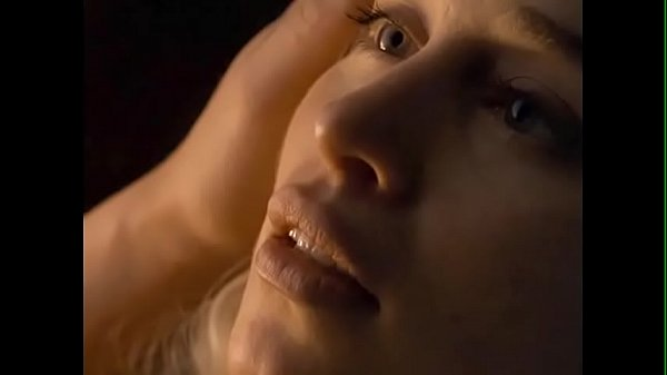 CelebrityING.com - Emilia Clarke Sex Scenes In Game Of Thrones Thumb