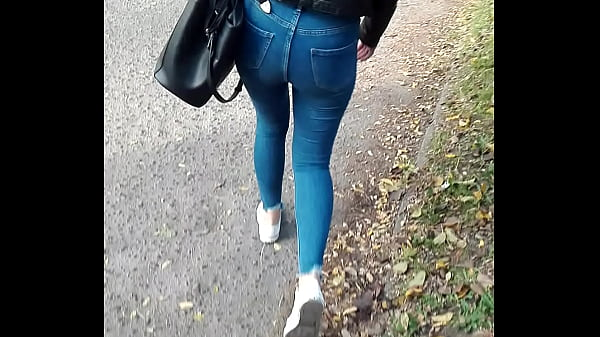 walking gril from Poland 2
