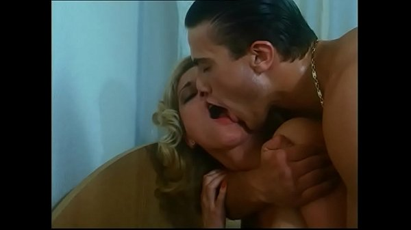 Kelly Trump in Anal Lesson for new Generation.