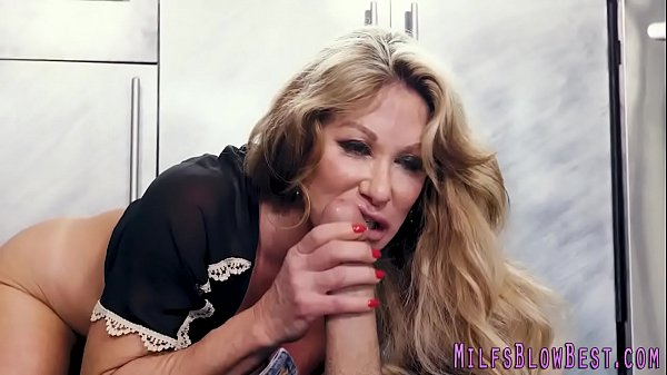 Sexy cougar sucking and stroking Thumb