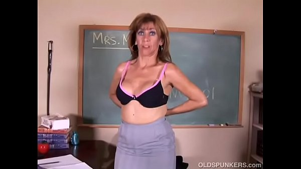 Tasty old spunker teaches you how to fuck her soaking wet pussy