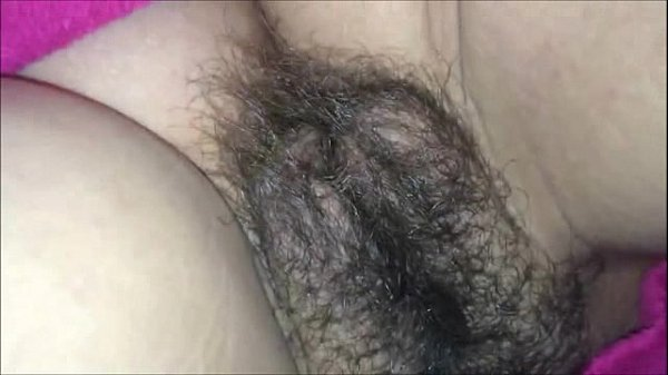 He cums on her hairy muff