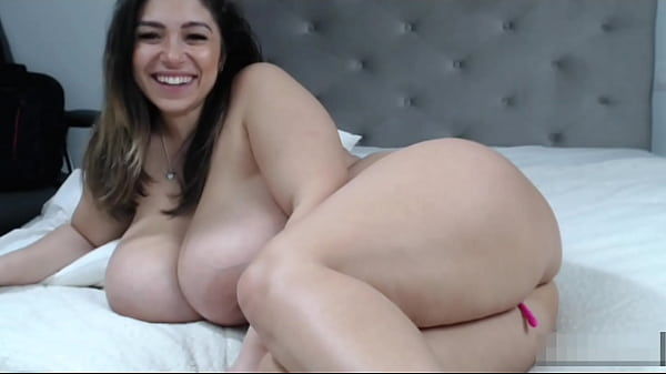 Big booty & Big natural tits 2