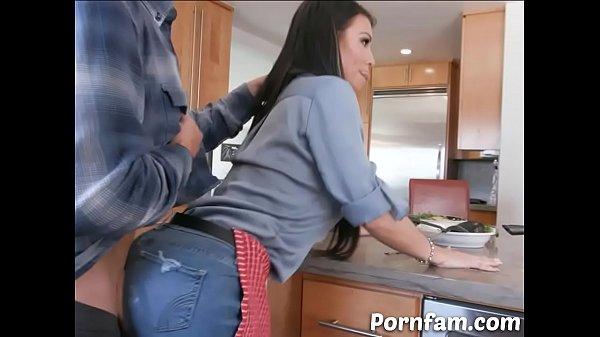 Slut Mommy Let Her Step Son Fucks Her in Front ...