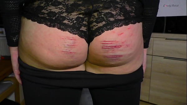 Clip 51P First Spanking For Penny - Full Versio...