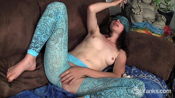 Eye Folded Amateur Wiley Masturbating