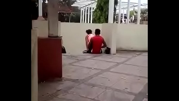 Pillado en el parque