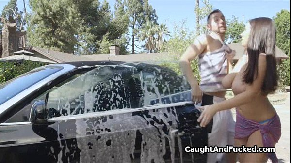 Bigtit bikini carwash babe fucked hard