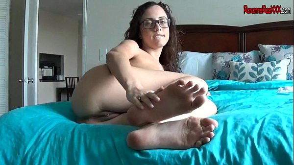 Jerk Off To My Feet ROXANNE RAE FOOT JOI POV