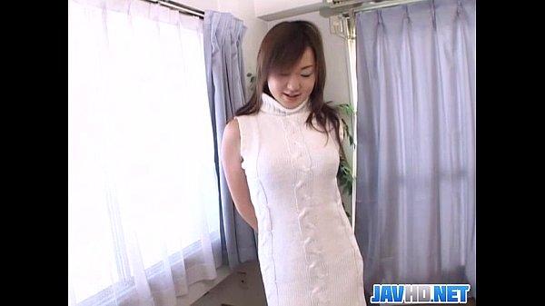 Pretty Japanese milf finger fucking