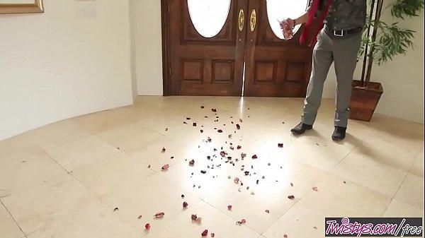 Twistys - Happy Valentines Honey - Reena Sky  thumbnail