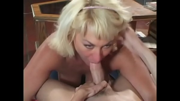 Milf Dana Hayes shows off her huge tits and the...