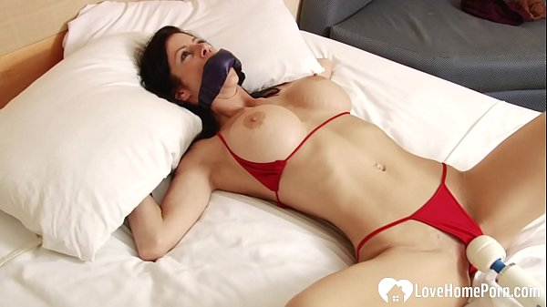 Tied-up stepsister gets pleasured by a toy