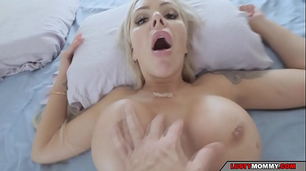 stepmom comes to my bed Thumb