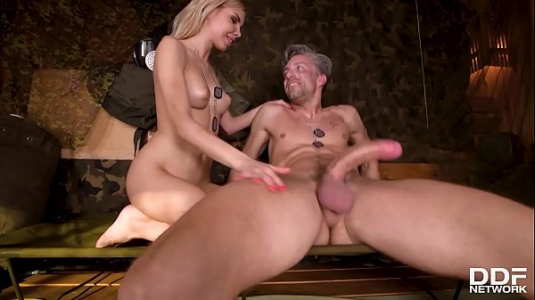 Sexy soldier Olivia Sin footjobs and fucks until she gets jizz on her feet Thumb