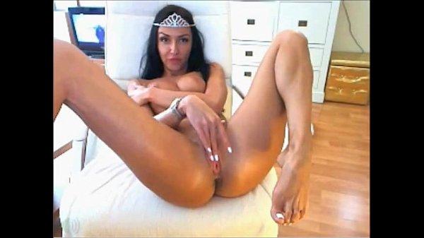 Latin Girl Solo
