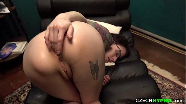 Miss Anal Anna Has A Wet Orgasm