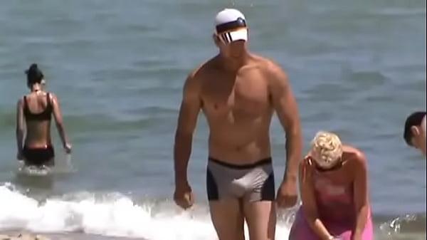 Pufók Male Beach Video