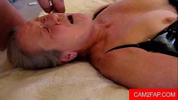 amateur granny facial 2