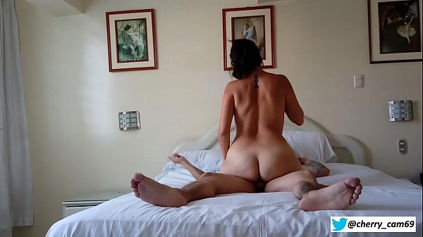 Sexy brunnete fucking hard with an stranger guy