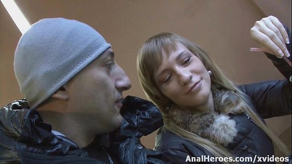 Naive Russian model gets seduced on the street ...
