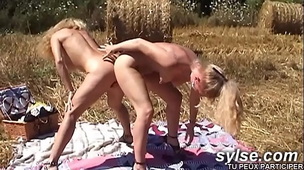 Farmer daughter loves strapon and fist
