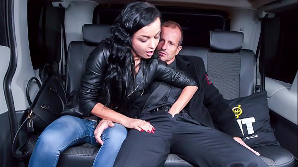 VIP SEX VAULT - Ukrainian girl Daphne Klyde gets dicked at the car service