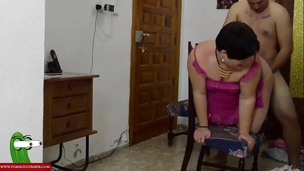 El trabajador que se encuentra sexo gratis de la clienta GUI004