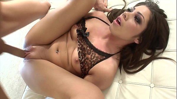 Shane Dos Santos Jonni Darkko - Hot Bubble Butt Latina Takes Big Dick