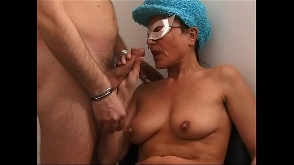 Old Cougar in search of cock