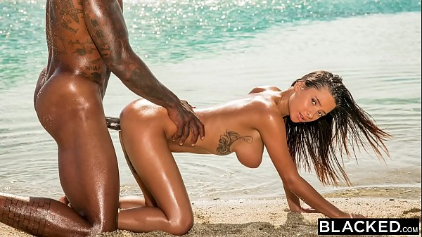 BLACKED Perfect Body Beauty Fucks Her BBC Divin...