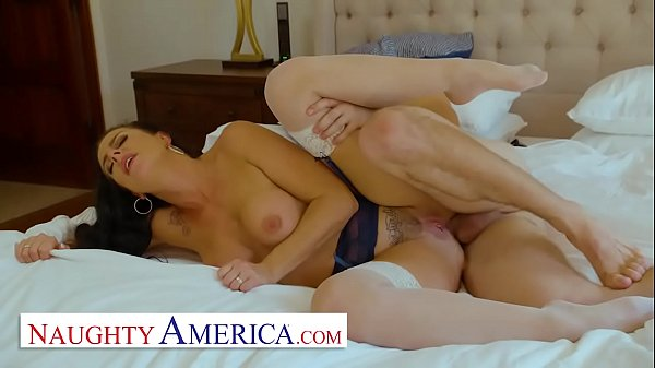 Naughty America - Texas Patti makes her sons fr...