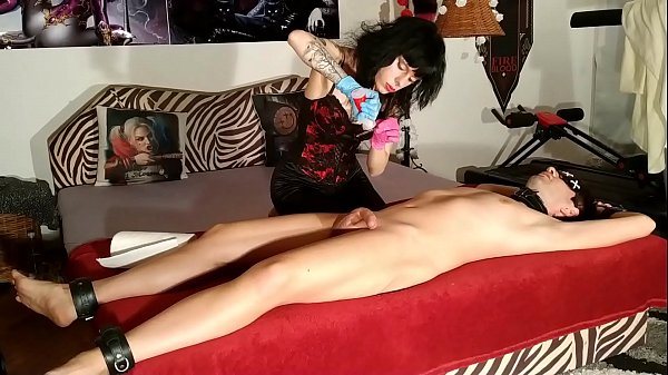 Beth Kinky - Goth domina suounding her slave with dilatator pt1 HD