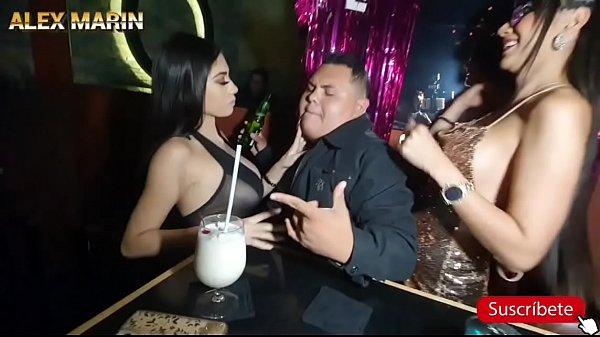 Una fiesta con actricez porno Thumb