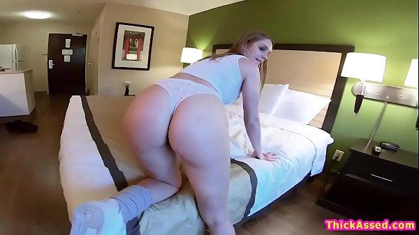Big ass skatergirl twerking on guys face