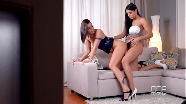 Lesbians Cindy Hope and Brandy Smile Strap-on fuck session