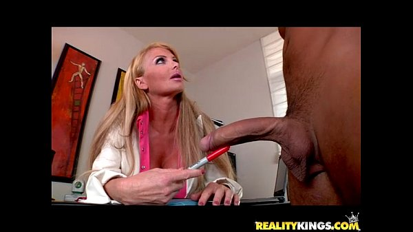 Taylor Wane bares her massive cans and gets pummeled by hung Voodoo