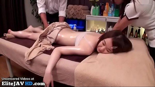 คลิปxxx ญี่ปุ่น ร้านนวด พาเสียว นมใหญ่ หีขาว