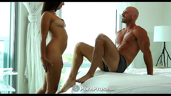 HD - PornPros Sexy Jynx Maze warms up with a toy and is ass fucked Thumb