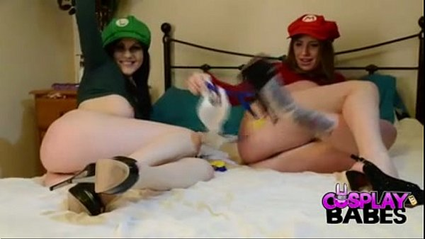 COSPLAY BABES Big tits not Mario sisters doing some plumbing - BigCams.net