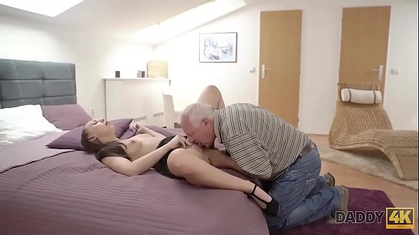 Figlia catturato mamma con il suo fidanzato porno