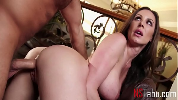 Why Look Elsewhere When Mommy Has The Best Body Every - Kendra Lust