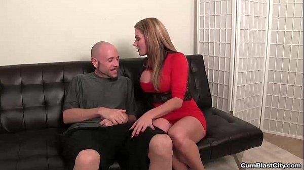 סרטון פורנו cumblast-Sexy milf handjob