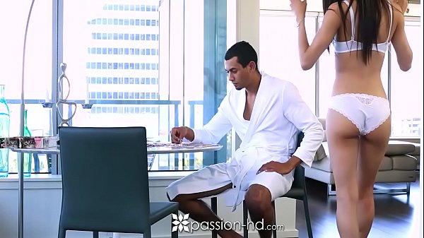 PASSION-HD Latin Veronica Rodriguez fucks big donkey dick with facial