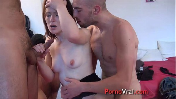 Squirting femme fontaine en gang bang French am...