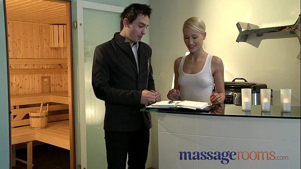 Massage Rooms Uma rims guy before squirting and pleasuring another Thumb