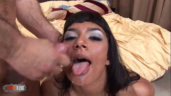 Oriental babe Shazia Sahari gets fucked