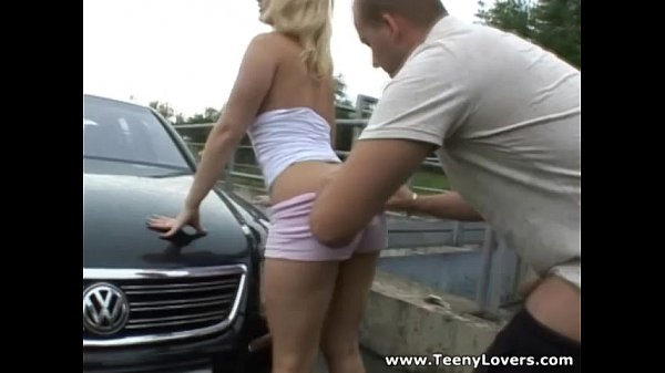 Teeny Lovers - Sporty blonde Lilith Lee outdoor fuck teen-porn